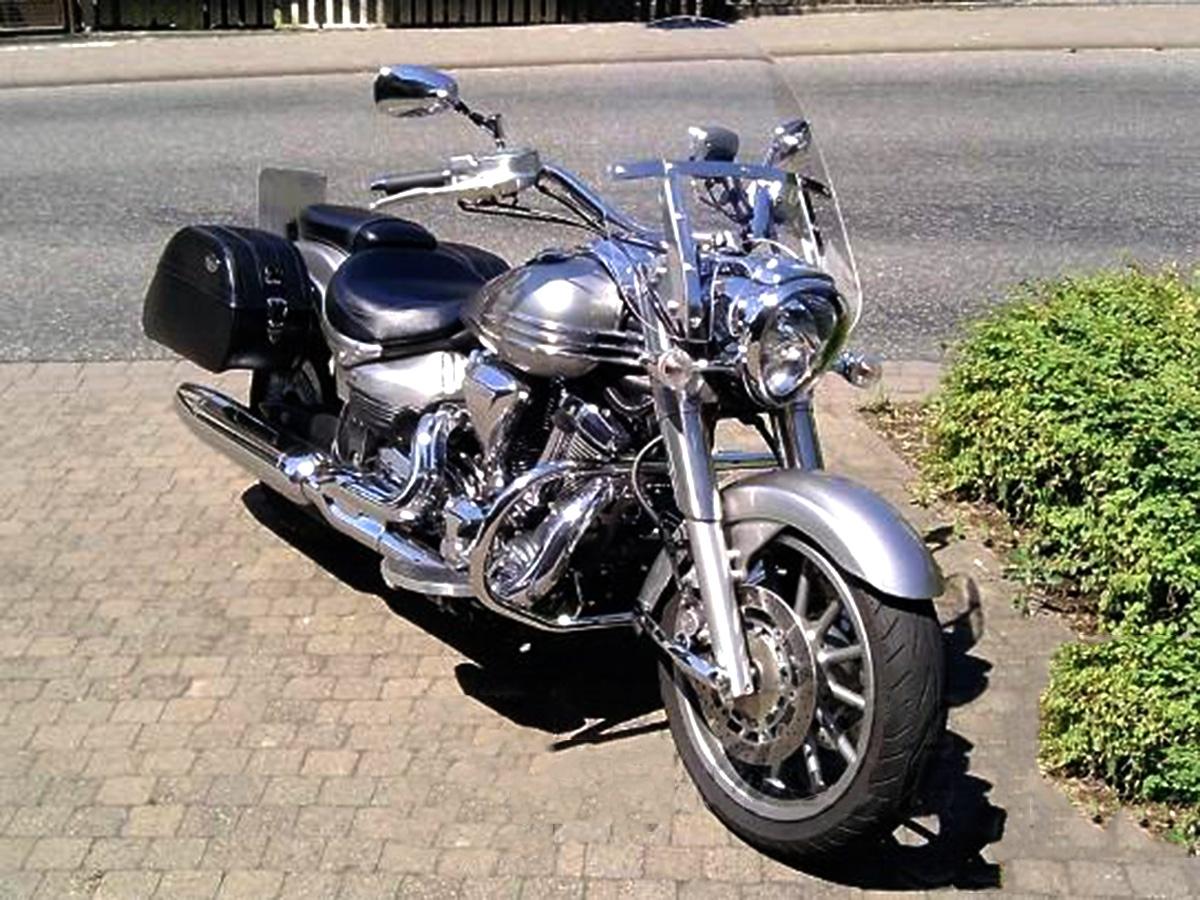Yamaha xv 1900 a midnight star heavy duty highway engine for Yamaha xv 1900